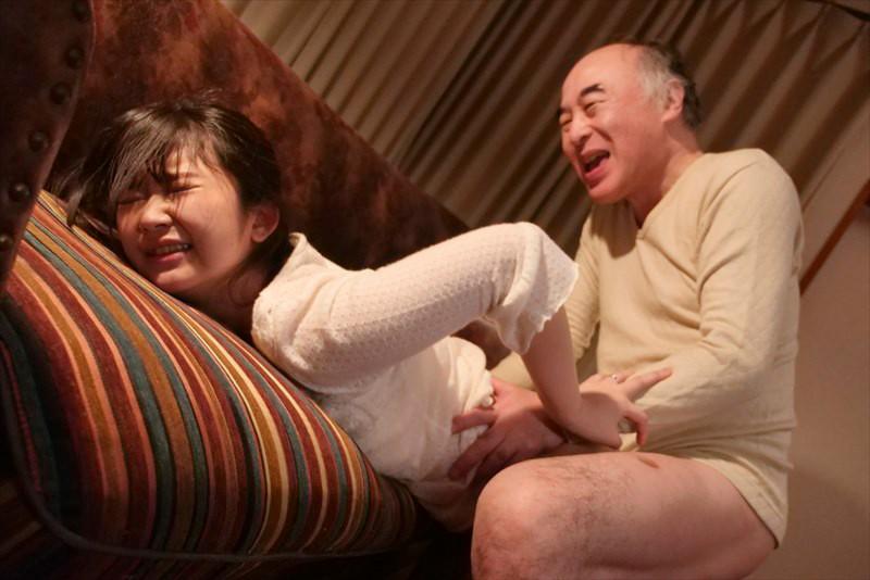 献身…義父への肉体介護 汚される幼な妻 浅田結梨 キャプチャー画像 5枚目