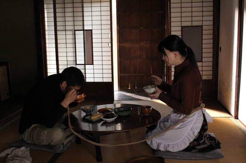 犯されて…。〜ある美熟女妻と逃亡犯の物語〜 浅井舞香 10枚目