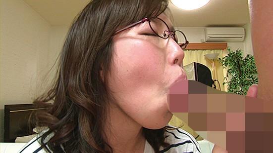 巨乳むっちり人妻20人連続セックス16時間4枚組BOX 画像5
