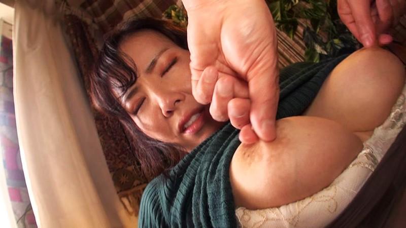 乳妻狩り 鎌田雪乃 画像1