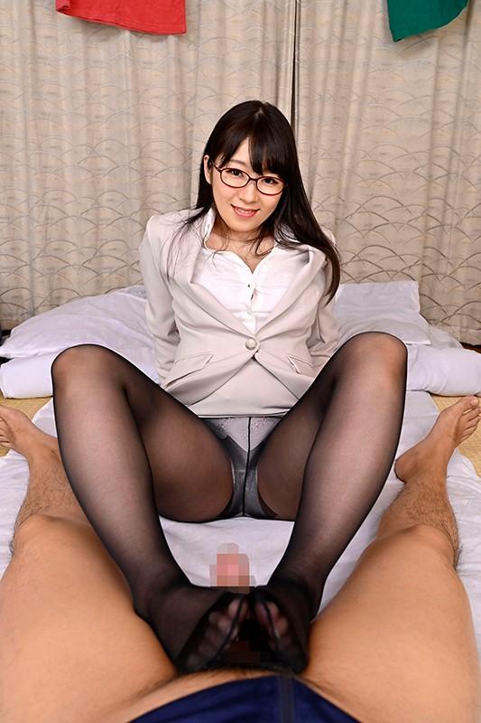 新川愛七の黒パンスト足コキ