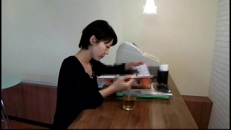喫茶店オーナー流出 カウンターに設置された隠しカメラでパンチラ盗撮