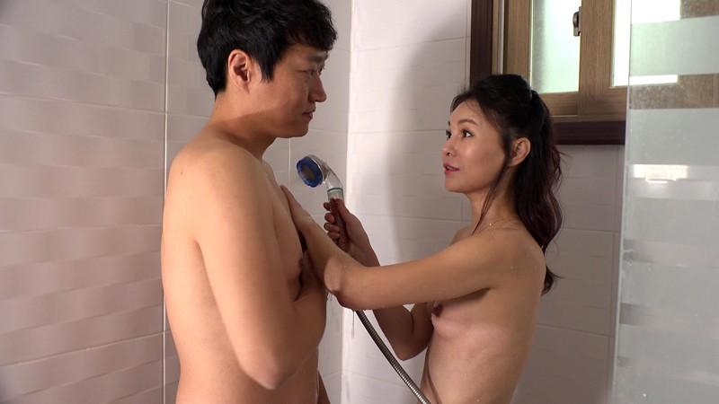 若いち○ぽ大好き〜風呂を覗く友達の息子のあれは大変大きかったです〜