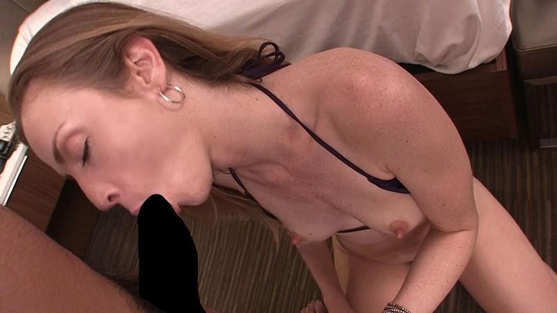 ロスでナンパしたハリウッドセレブ人妻が手入れの行き届いた高級美脚の足コキで欲求不満解消のAV出演 カーラ(30歳) 6枚目
