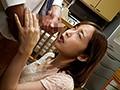 不倫中で嫌がる妻にねっちょりバック中出し 篠田ゆうsample8
