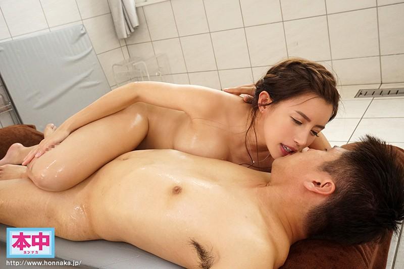 永井マリアの乳首舐め