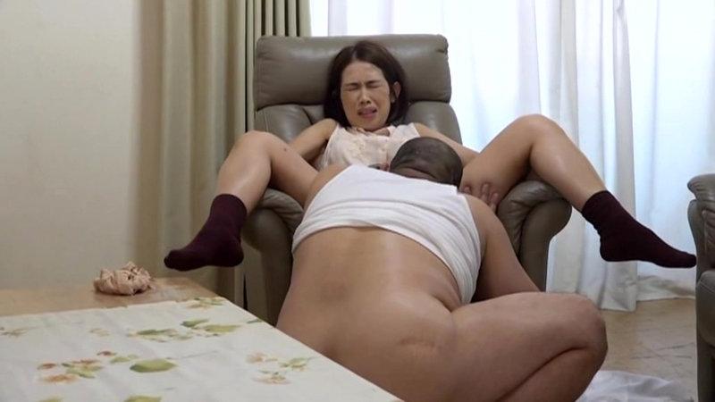 主婦売春 堕ちた四十路妻のサンプル画像11