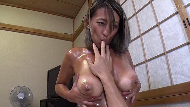 温泉宿でコッソリ営む若女将の露天ソープサービス 吹石れな 画像10