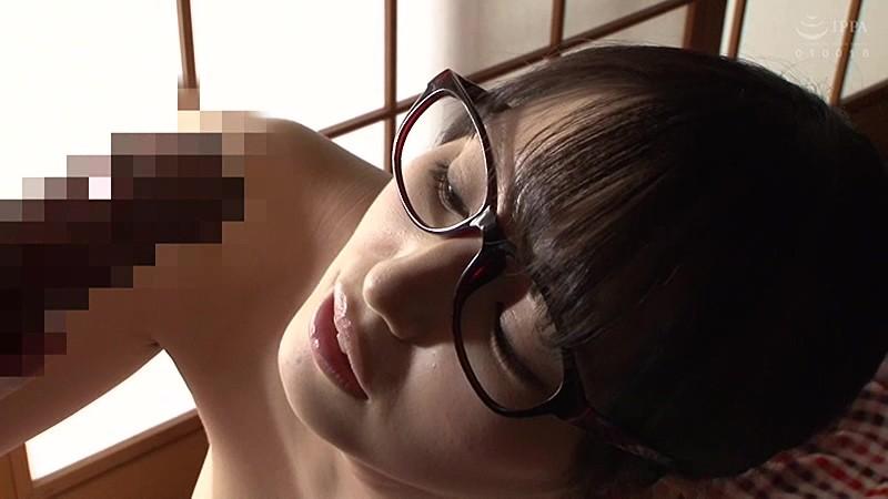 隣の地味な女子大生は隠れ爆乳の眼鏡腐女子 野々原なずな6