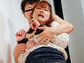 [HUNBL-062] ~抵抗を諦めた若妻たち~昼下がりの自宅でオモチャのようにイラマチオ&中出しを繰り返され、痙攣しっぱなしの無抵抗若妻