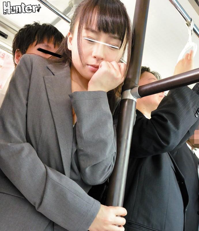 「ダメダメ挿っちゃう!擦るだけの約束でしょう」乗車率120%の超満員電車&バスで義姉に超密着で強●素股状態!!突然出来た義姉と通勤通学路を共にしていたある日、満員の車両で義姉と超密着していたら髪の匂い&お尻の感触&胸の谷間を見て思わず勃起! 画像12