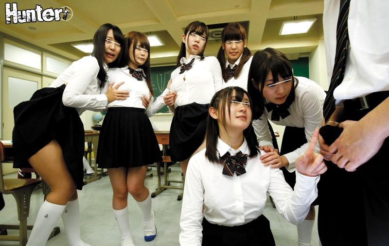 ノーブラで巨乳でノーパンで女子校生JKの、羞恥無料エロ動画。【女子校生、JK、美少女動画】