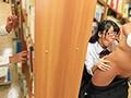 セフレにフェラばかりやらされてセックスしてもらえない文学少女は実は超ヤリマンで欲求不満!いつも本を読んでいる一見ウブそうな読書好き文学少女には実はセフレが何人もいて、休み時間のトイレ、昼休み保健室、放課後の図書室と色んな場所でセフレにフェラだけさせられ…