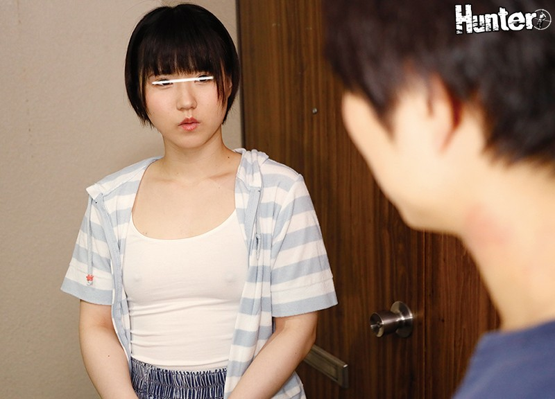 HUNTA-778 Studio Hunter - Does This Old Man Need Me?? The Naive Lolita Female S*****t From Next Door Was Surprisingly Luring Me To Braless Temptation!! She Came To My Front Door And Gave Me An Instant Blowjob! My Neighbors Were A Single Mother And Her Daught big image 4