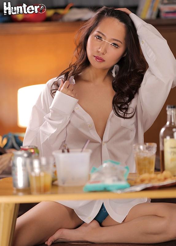 『ねぇ~チューしていい?』厳しい女上司が酔っ払って甘えモード全開でまさかのイチャラブセックス!何度も濃厚なキスしまくりで中に出しまくり!