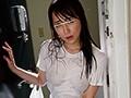 『ヤダびしょ濡れ!』ゲリラ豪雨で買い物帰りの義姉のTシャツがびしょ濡れ!近所で油断したのかまさかのノーブラ!濡れたTシャツから乳首が透けて…