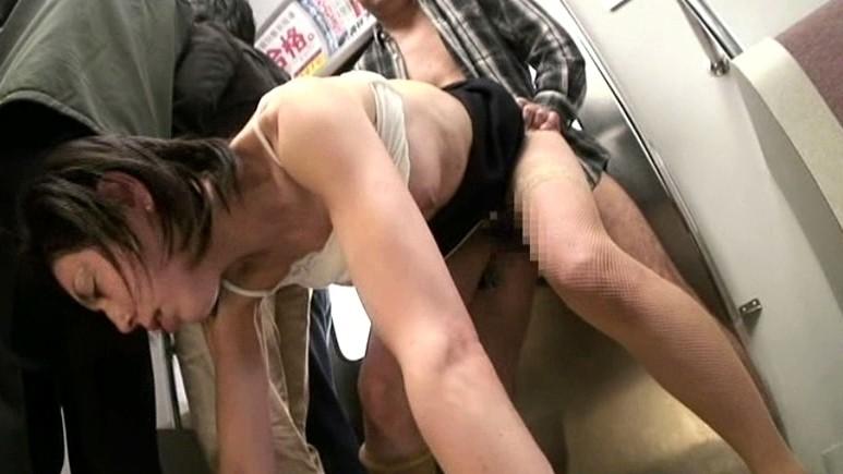 痴●電車 極悪非道生中出し セレブな人妻編[hypd35][HYPD35] 3