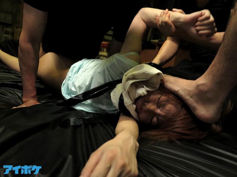 【美少女】集団レ○プに遭った希美まゆ(本人) 首絞め!容赦ないスパンキング!危険すぎる輪姦!度肝を抜かれる衝撃の問題作品! キャプチャー画像 4枚目