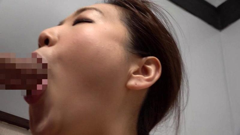 群馬・藤岡 井戸で野菜を洗っていた大巨乳のお母さん 水川由里 キャプチャー画像 7枚目