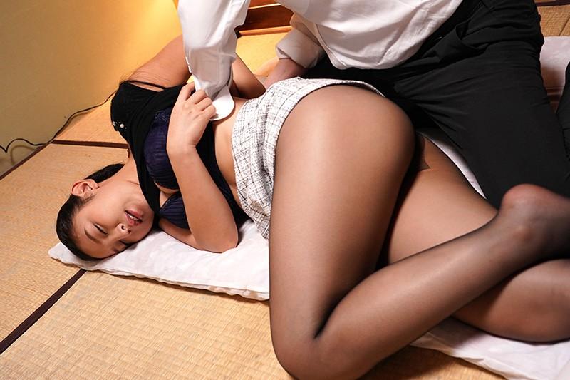 目のヤリ場に困る上司の奥さんのくいこみ在宅フィットネス 本真ゆり11