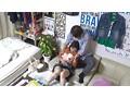 イケメンが熟女を部屋に連れ込んでSEXに持ち込む様子を盗撮した動画。 FANZA限定!先行配信スペシャル!!68