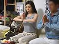 イケメンが熟女を部屋に連れ込んでSEXに持ち込む様子を盗撮した動画。 FA......thumbnai20