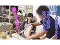 イケメンが熟女を部屋に連れ込んでSEXに持ち込む様子を盗撮した動画。 FANZA限定!先行配信スペシャル!!103