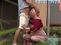 熟女の背後から突然乳揉み、乳首責めレ○プ