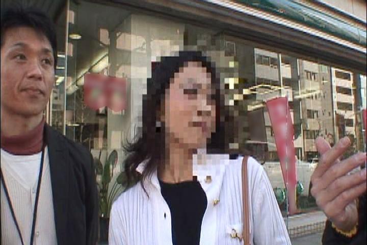 街中で見かける生活感漂う人妻のおマ○コに挿入! オバさんナンパ4時間6 キャプチャー画像 10枚目