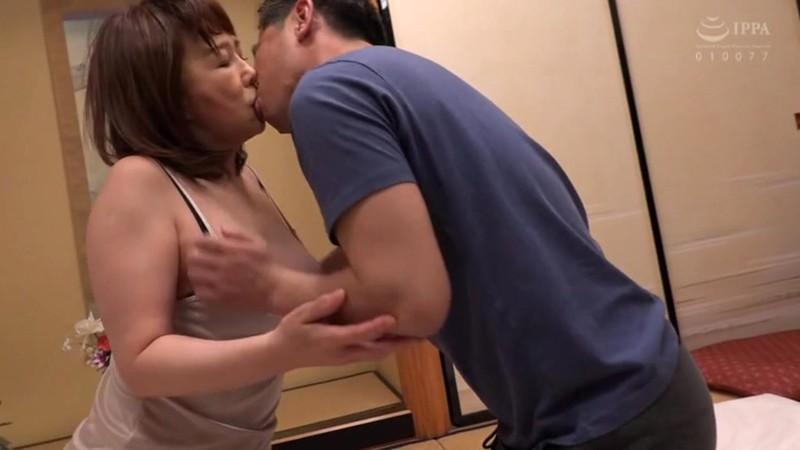 息子の為にアナルを解禁するお母さん 真田紗也子 画像16