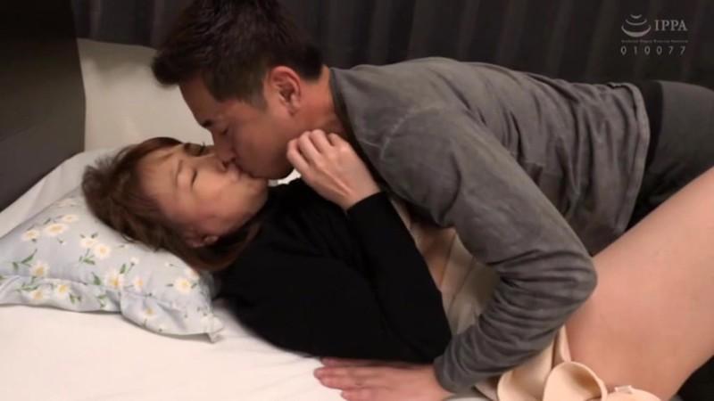 息子の為にアナルを解禁するお母さん 真田紗也子 画像2