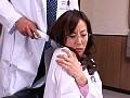 溢れだす美熟女の泉 〜救命病棟のおもらし美人女医・保奈美〜...sample10