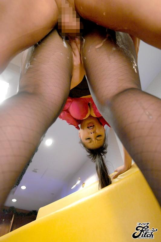 ぬめるムチ尻女の極上パンストソープ 村上涼子 画像5