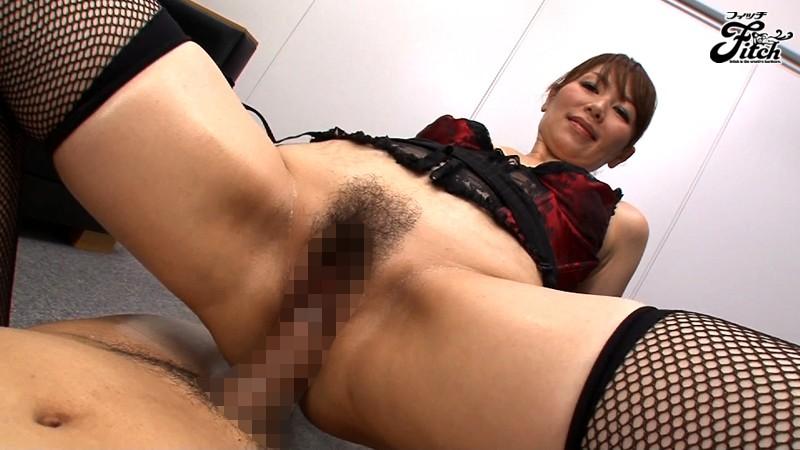 美熟女コンサルタントの熟尻射精管理 翔田千里 画像11