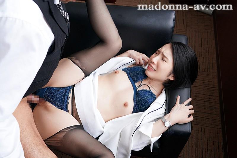 人妻秘書、汗と接吻に満ちた社長室中出し性交 《専属》プレミアムな美顔妻 濃厚中出し3本番!! 舞原聖 の画像8