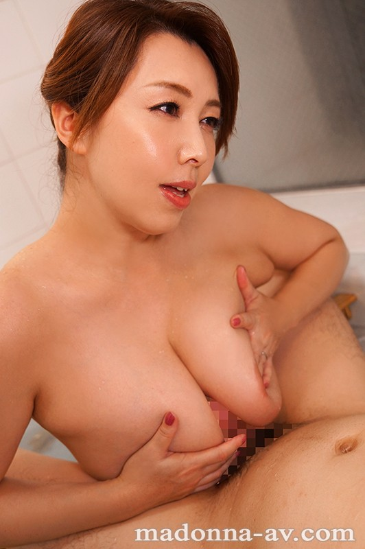 JUL-168 Studio Madonna - Her identity that she thought she was Sakura on SNS. The best celebrity wife is treated for three days and three nights. Kazama Yumi big image 5
