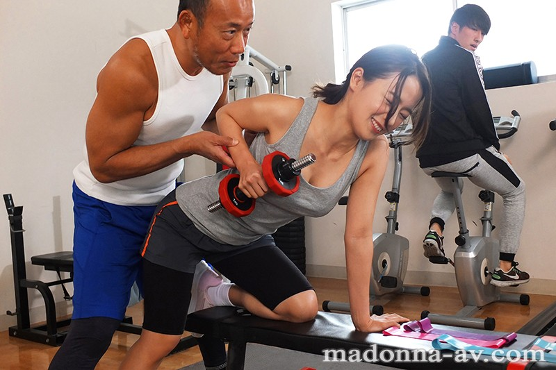 JUL-172 Studio Madonna - Personal gym NTR shocking cheating picture of wife who drowned in the stren