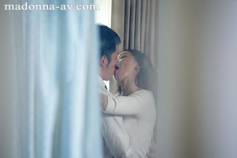 『専属女優2人による見せあいながらのW夫婦交換4Pww』の紹介画像