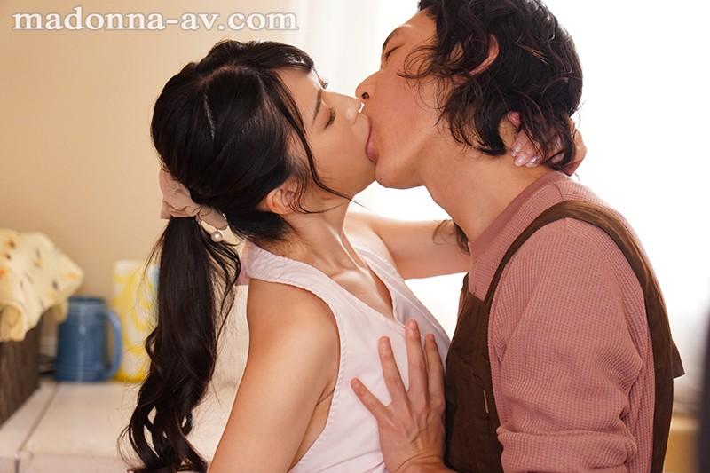 The BEAUTIFUL WIFE 04 豊崎みさと 30歳 AV debut!!