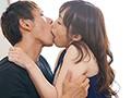 熟女なのに可愛い、可愛いのにドスケベ。 天然小悪魔タイプの肉食人妻 小林真梨香 46歳 AVデビュー!!