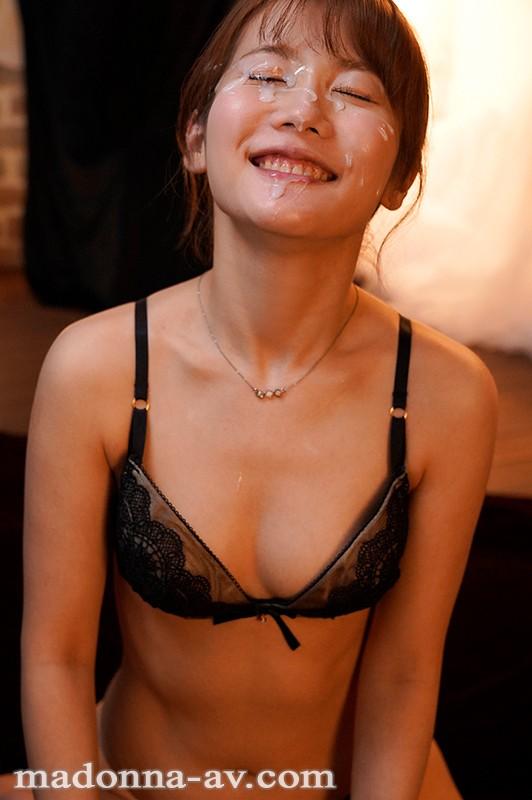 天然×ミステリアス 見た目は大人、心はピュアなゆるふわ人妻 鈴川莉茉 32歳 AV Debut!!10