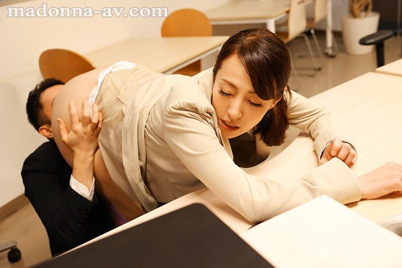 「ねぇ?あなた、本当に童貞なの?」~童貞詐欺にイカされ続けた人妻~ 谷原希美 画像7