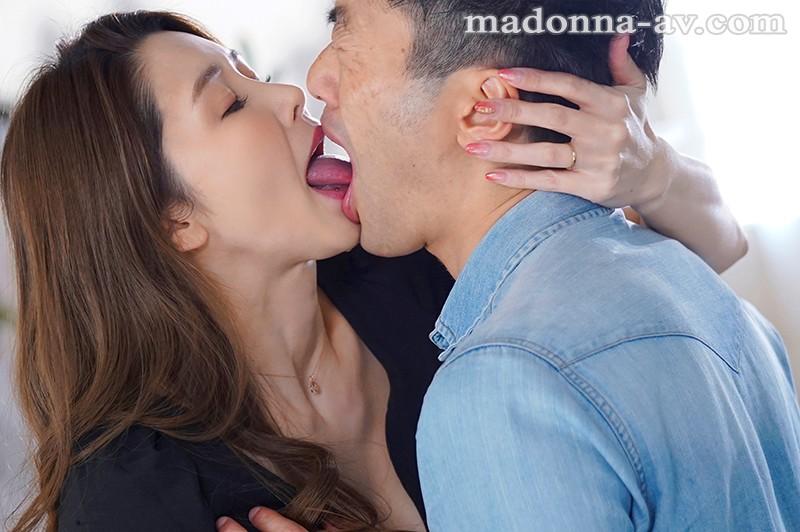 アナタの心と股間を撃ちヌク愛の弓―。 大型専属 愛弓りょう Madonnaデビュー 子宮の最深部を貫く濃厚中出し3本番