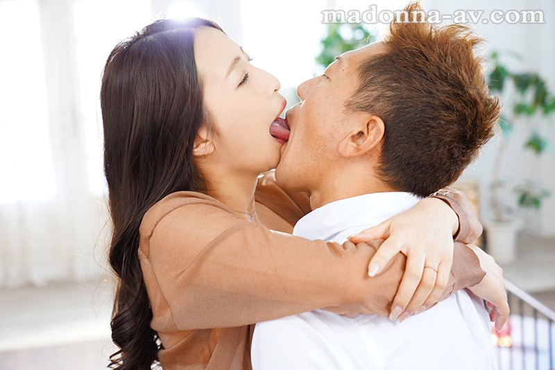 Madonna大型専属 第2章!! 美女が野獣になる、濃密接吻セックス。 三尾めぐ キャプチャー画像 1枚目