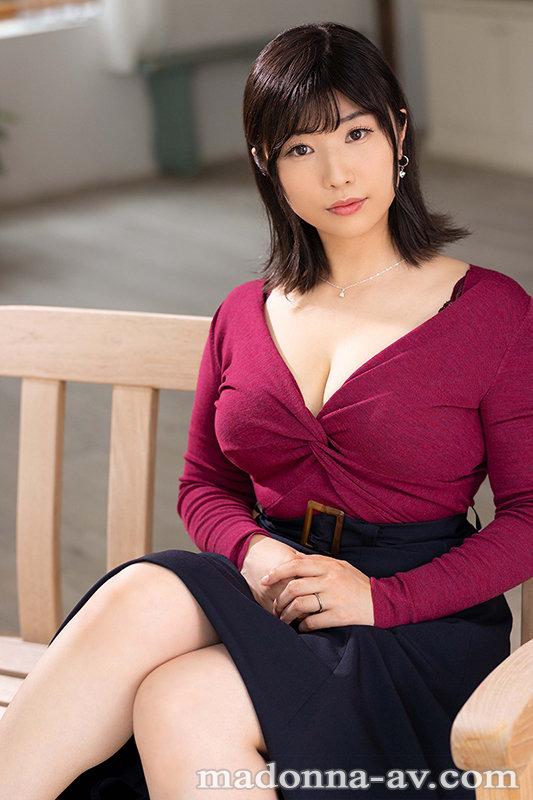 夫に言えない妄想癖、隠しきれない下心―。 図書館勤務のムッツリ人妻 松岡なつ美 32歳 AV DEBUT