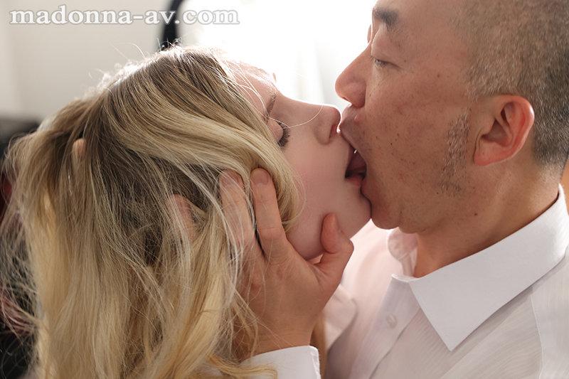 人妻秘書、汗と接吻に満ちた社長室中出し性交 男の憧れ『金髪』×『秘書』ついに登場!! リリー・ハート 5