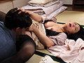 [JUL-718] 汗ほとばしる人妻の圧倒的な腰振りで、僕は一度も腰を動かさずに中出ししてしまった。 綾瀬麻衣子