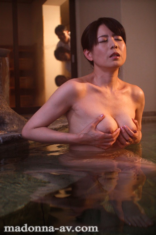 【人妻】 憧れの美熟女教師と修学旅行~永遠に忘れられない秘密の思い出…~ 三浦恵理子 キャプチャー画像 4枚目