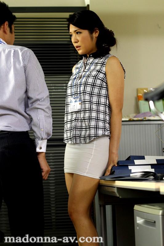 タイトスカートを穿かされて…。 白川千織 キャプチャー画像 1枚目