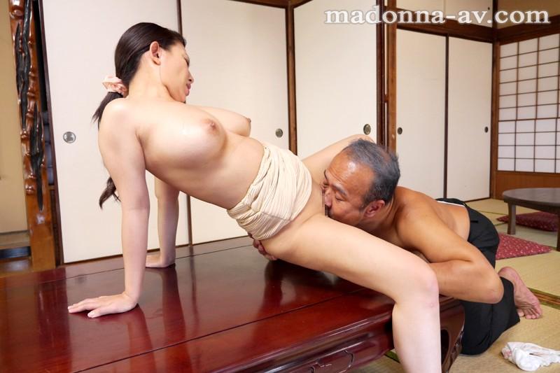 義父と嫁の密かな接吻情事 織田真子 キャプチャー画像 7枚目